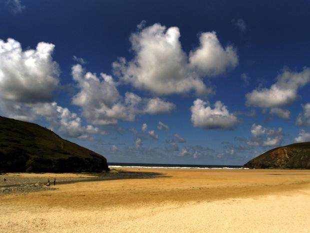 Mawgan-Porth-beach.jpg