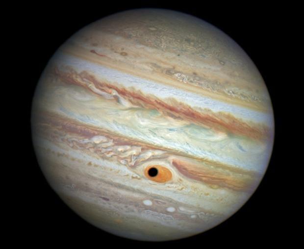 Jupiter_eye-e1414524396756.jpg