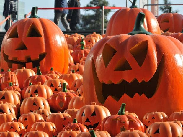 Halloween pumpkins on screen: The best film appearances by the ...