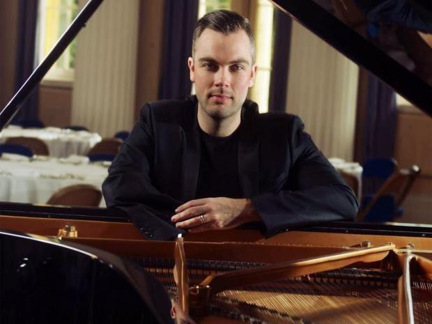 web-pianist.jpg