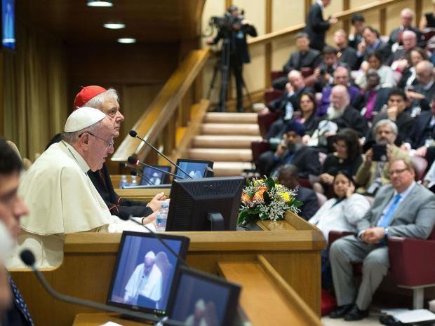 francis-pope-humanum.jpg