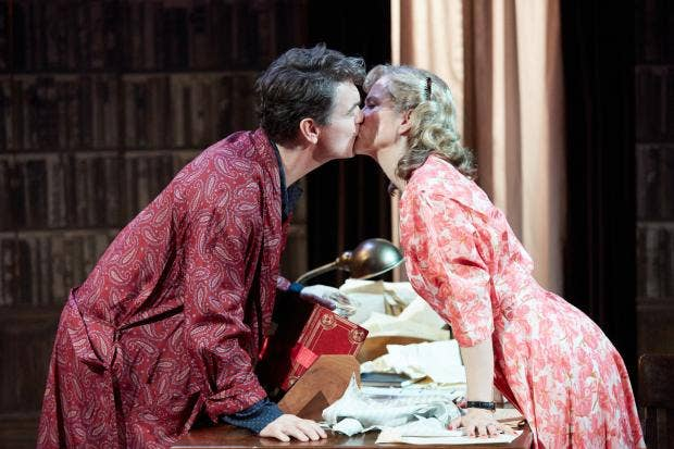 Alexander Hanson (Will Trenting), Abigail Cruttenden (Rona Trenting). image by Mark Douet.jpg