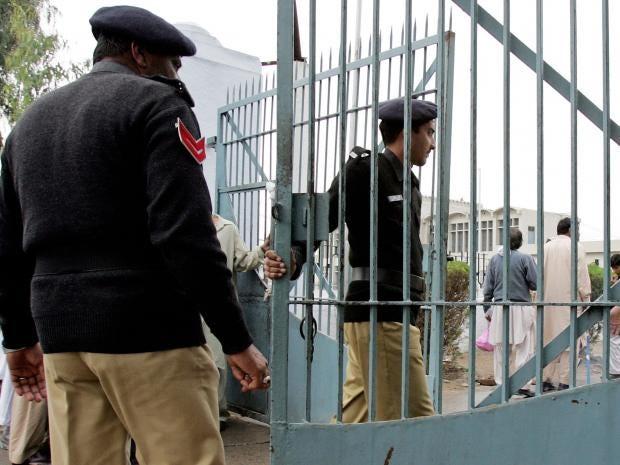 16-Pakistani-policeman-AFP-Getty.jpg
