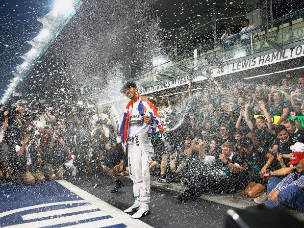Hamilton-champagne.jpg