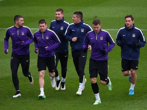leksandar-Kolarov,-Stevan-Jovetic,James-Milner,-Edin-Dzeko,-Matija-Nastasic-and-Frank-Lampard-of-Manchester-City-warm-up.jpg