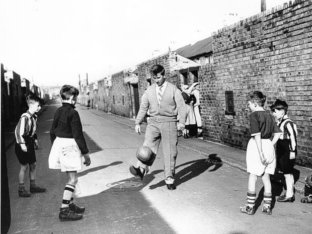 Bobby-Charlton.jpg