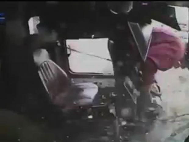 Bus-crash.jpg