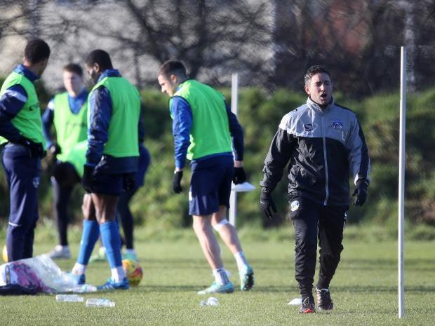 Oldham-Manager-Lee-Johnson.jpg