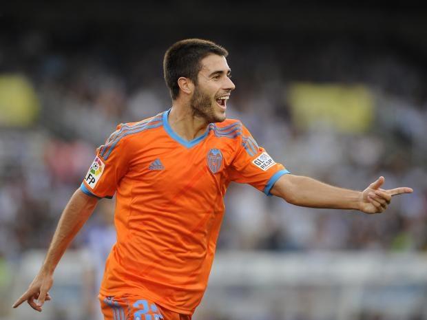 Valencia-midfielder-Carles-Gil.jpg