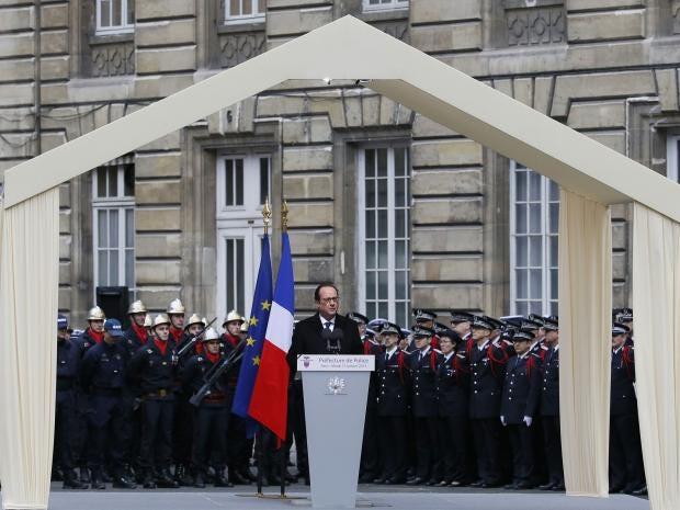 funeral-policemen-paris-1.jpg