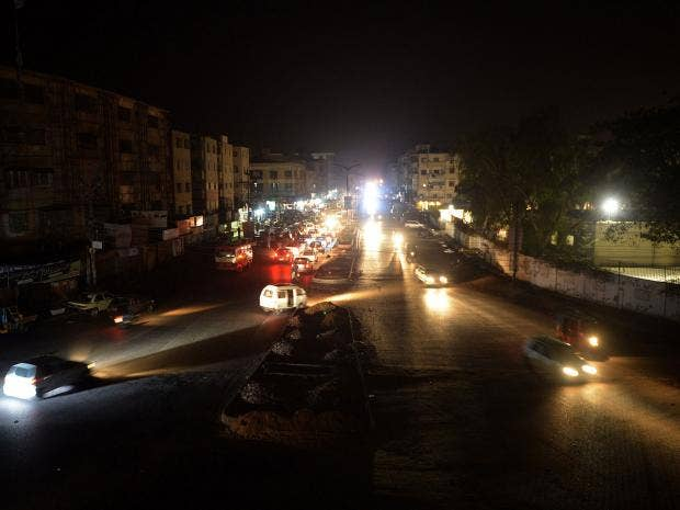 pakistan-blackout.jpg