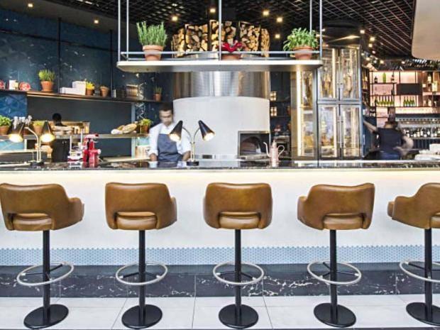 heathrow_restaurant.jpg