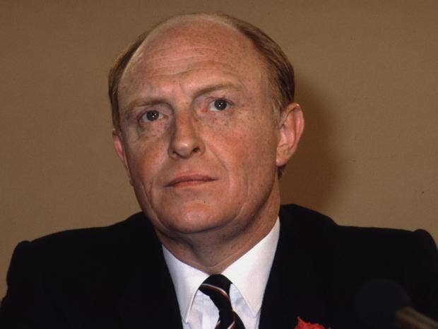 Kinnock-Hulton-Getty.jpg