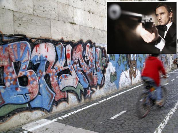 Rome-Bond.jpg