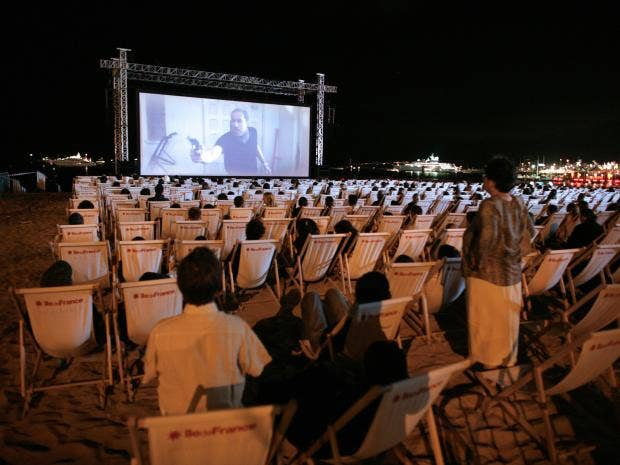 18-Outdoor-Cinema-Get.jpg