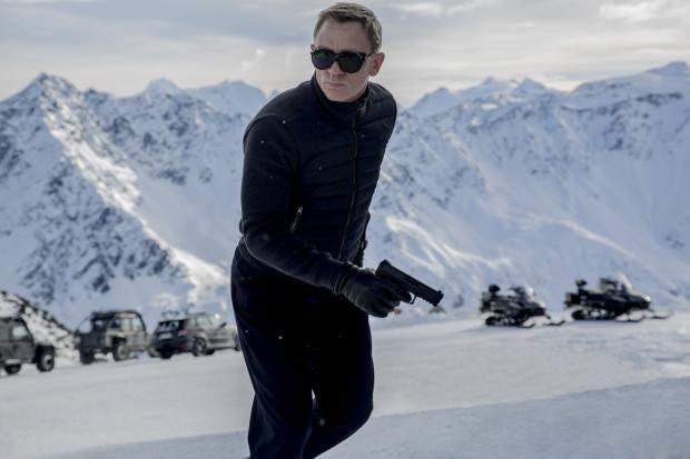 Daniel-Craig-in-Spectre.jpg