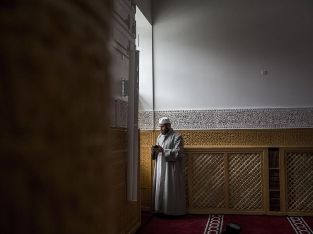 4-Mosque-EPA.jpg