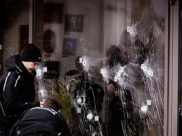 5-Police-technicians-Reuters.jpg