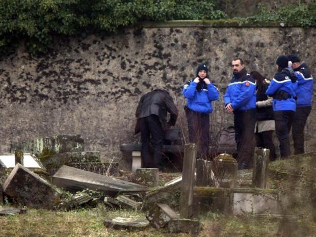 27-Jewish-Graves-AP.jpg