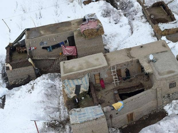 afghanistan-avalanche-snow.jpg