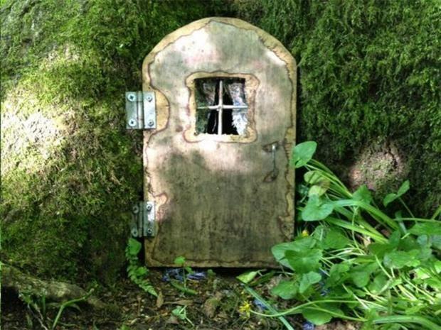 pg-20-fairy-doors-birkett.jpg