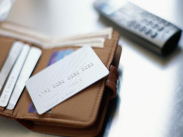 web-phone-bank-card-RF-getty-c.jpg