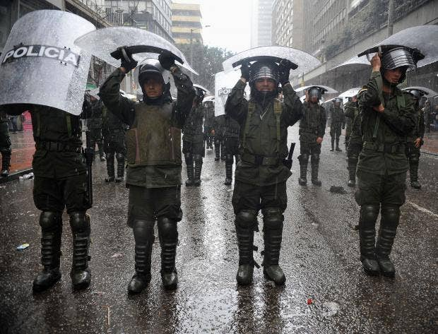 8-Riot-police-officers-AFP-Getty.jpg