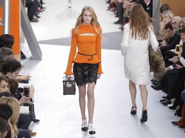 pg-11-fashion-paris-ap.jpg