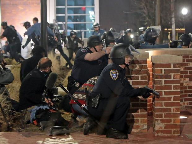 Ferfuson-Police-Officers-AP.jpg