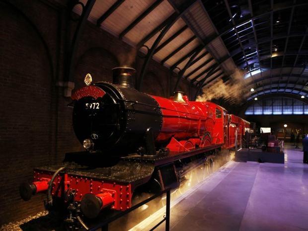 36-Hogwarts-Express-PA.jpg