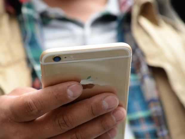 4-Mobile-Phones-AFP.jpg