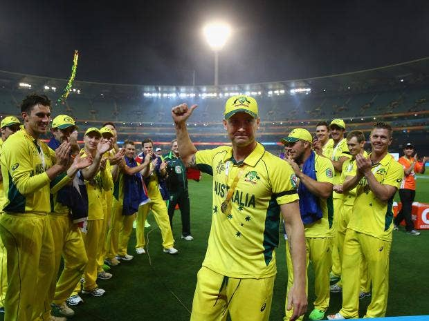 Players-form-a-guard-of-honour-for-Michael-Clarke-of-Australia-as-he-leaves-the-field.jpg