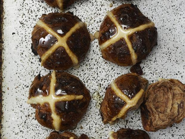 How To Make Chocolate Orange Hot Cross Buns For Easter