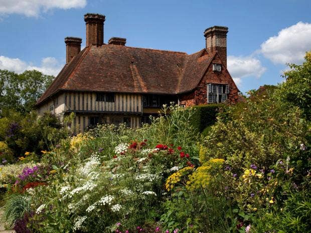 39-Great-Dixter-House-Alamy.jpg