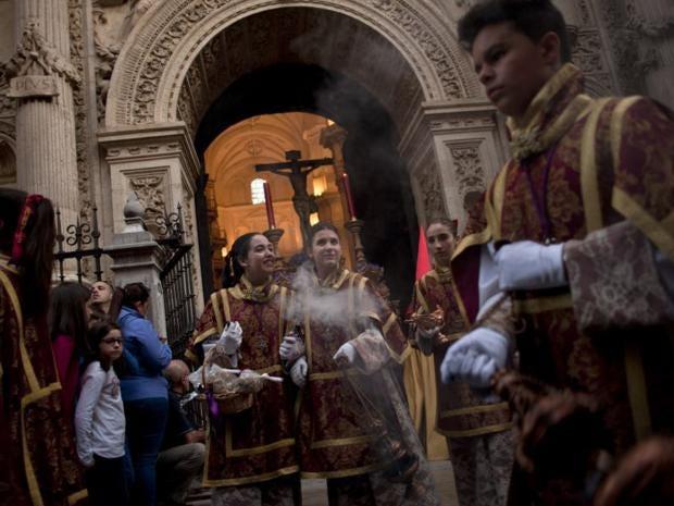 36-Spain-Easter-AFP.jpg