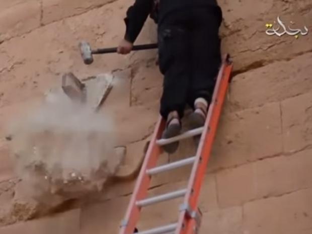 hatra-iraq-isis-plaster-monuments-2.jpg