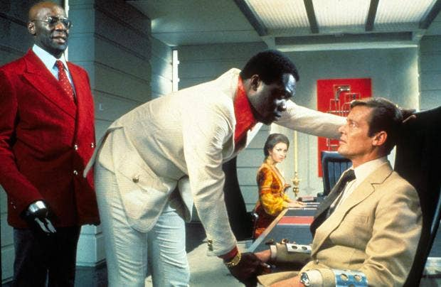 bond-Yaphet Kotto.jpg