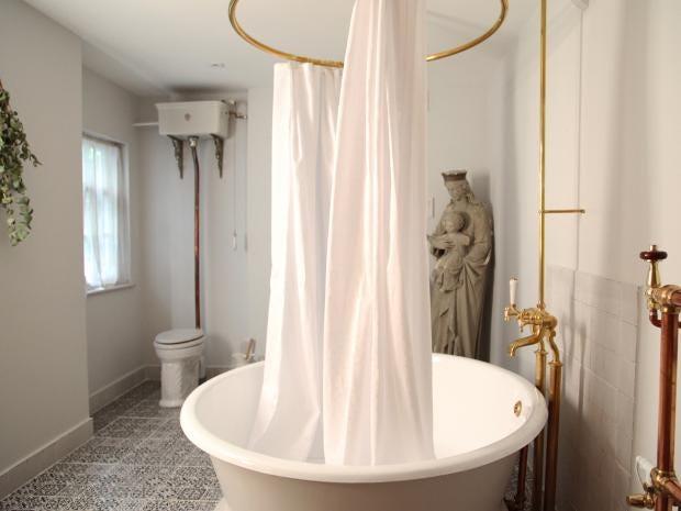 Bath-hote-bathroom.jpg