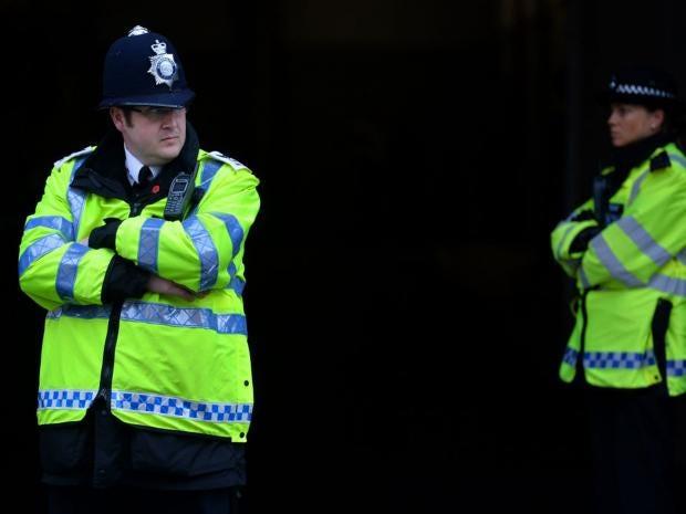 British-police-officer.jpg