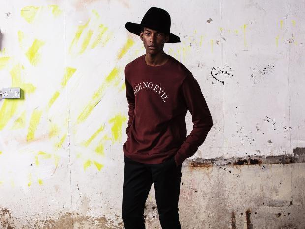 Undercover-slogan-sweatshirt.jpg