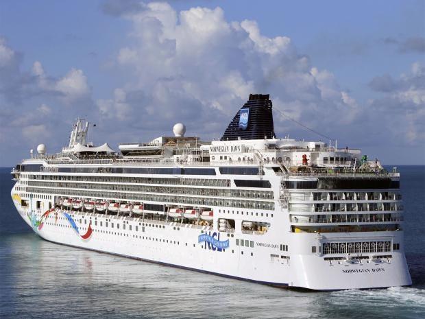 Norwegian Cruise Ship Freed After Running Aground In Bermuda The - Cruise ship bermuda