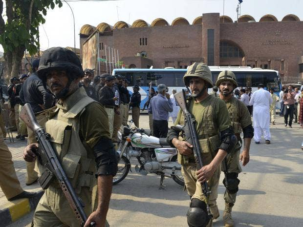 Pakistani-Rangers-gather-for-a-rehearsal-of-security-arrangements-for-the-Zimbabwe-team-outside-the-Gaddafi-Cricket-Stadium-in-Lahore.jpg