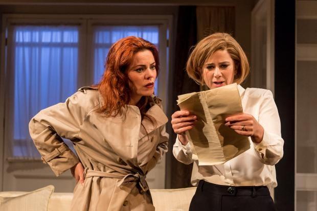 Rachel Tucker (Poopay), Imogen Stubbs (Ruella). by Manuel Harlan.jpg