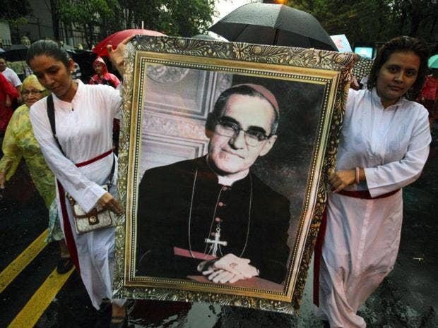 Assassinated Archbishop Oscar Romero cleared for sainthood by Pope Francis,  says Vatican. '