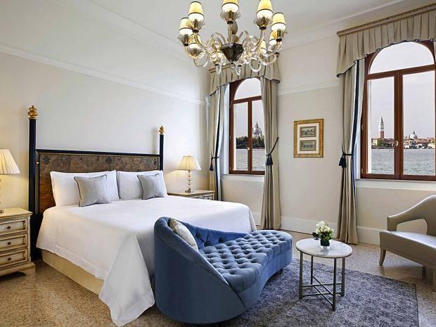 venice-regis-hotel.jpg