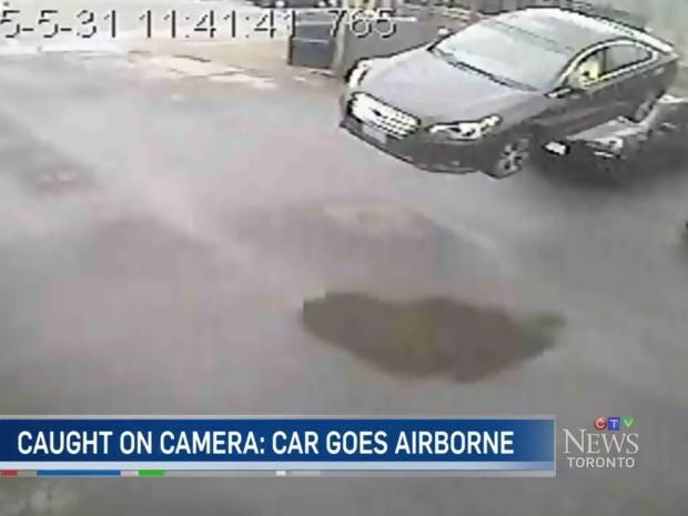 Toronto-Car.jpg