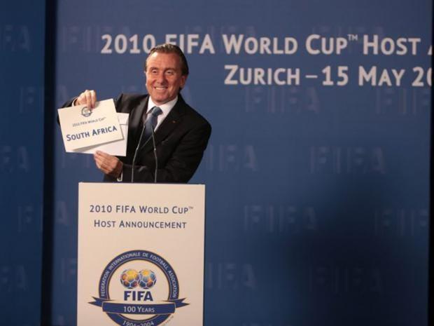 3-Tim-Roth-Blatter-AP.jpg