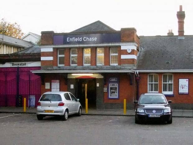 Enfield-Chase-station.jpg