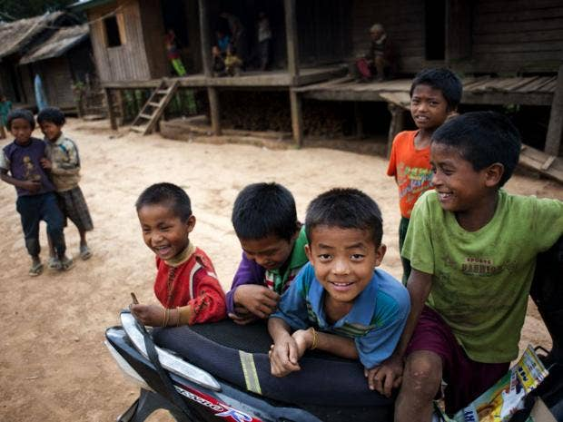 24-Burma-Boys-AFPGet.jpg