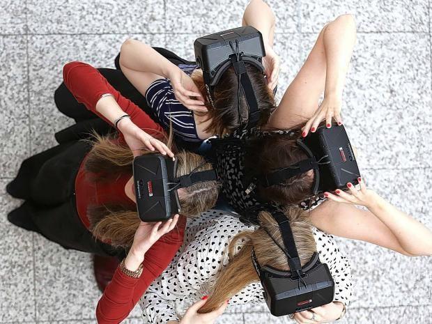 oculus-girls.jpg